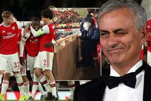 HLV Mourinho trở lại Anh làm đối thủ của MU và Chelsea?