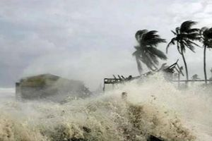 Tin bão số 5 mới nhất: Nhà đổ, đường xói lở, ngập sâu