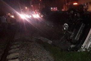 Thông tin mới nhất vụ Phó Bí thư huyện Hà Trung bị tàu tông tử vong khi lái ô tô qua đường sắt
