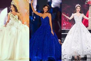 Chọn váy đồ sộ trong thời khắc chuyển giao quyền lực, nhiều Hoa hậu khổ sở vì đi không nổi đứng cũng không xong