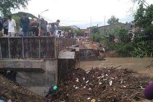Phú Yên: Một người chết trong đêm bão