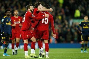 Liverpool vượt qua Arsenal trên loạt penalty trong trận cầu 10 bàn thắng