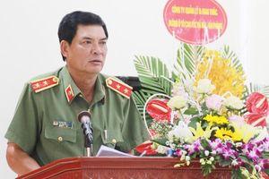 Cảnh cáo nguyên Phó Tổng cục trưởng Tổng cục An ninh Trình Văn Thống
