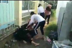 Đồng Tháp: Làm rõ clip 2 nữ sinh nắm tóc, đánh đập các bạn lớp dưới