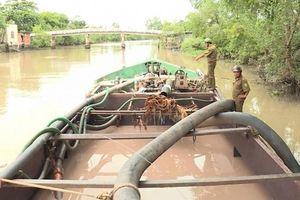 Vĩnh Long: Kiểm tra chuyên đề về vận chuyển, mua bán cát sông