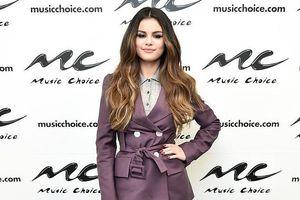Selena Gomez 'lột xác' xinh đẹp sau ồn ào bị đồn hẹn hò với bạn thân
