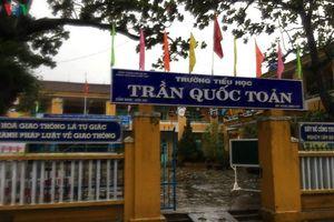 Thành phố Hội An cho gần 22.000 học sinh nghỉ học vì mưa to, gió lớn