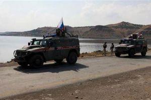 Nga vừa đến biên giới, phiến quân dâng 11 thị trấn