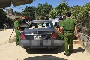 Bí ẩn xe Mercedes tiền tỷ vương vết máu bị bỏ ven đường