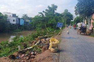 An Giang: 8 hộ dân và 1 nhà kho có nguy cơ trôi sông