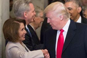 Hứng 'cơn lốc' luận tội của phe Dân chủ, ông Trump sẽ chiến thắng?