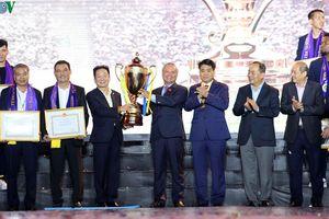 Toàn cảnh: Lễ mừng công hoành tráng, ấn tượng của Hà Nội FC