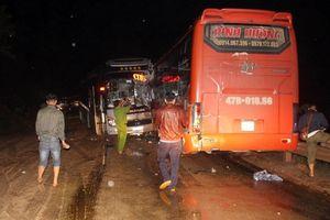 Tai nạn liên hoàn giữa 3 xe khách, đường Hồ Chí Minh tắc suốt 4 giờ