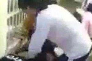 Lại xuất hiện thêm clip nữ sinh bị 'đàn chị' tấn công