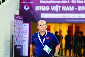 HLV xuất sắc nhất Đông Nam Á: Thầy Park sáng cửa