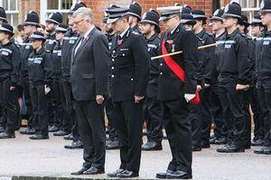 Cảnh sát Anh mặc niệm 39 người chết trong container