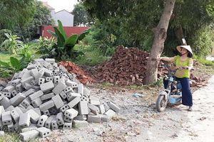 Bắc Giang: Dân tố cán bộ đến nhà 'cướp' sổ đỏ, Chủ tịch huyện nói gì?