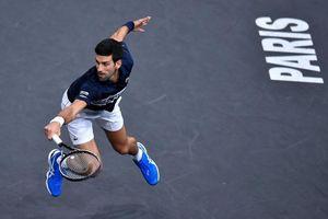 Nadal bất ngờ bỏ cuộc, Djokovic hạ gục 'tiểu Federer' để tiến sát ngôi vô địch Paris Masters