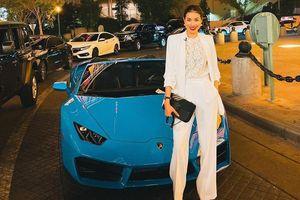 Hoa hậu Phạm Hương khoe siêu xe ở Mỹ