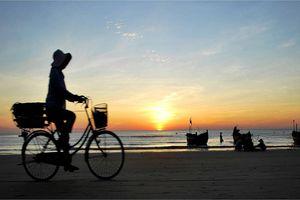 Vẻ đẹp mẫu tính trong truyện 'Chiếc thuyền ngoài xa' của Nguyễn Minh Châu
