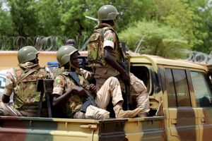 Ít nhất 53 binh sĩ bị thiệt mạng trong cuộc tấn công vào đồn quân đội Mali