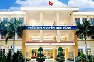 Giáo viên Trường Nguyễn Hữu Cảnh cho biết trước đề kiểm tra ở lớp dạy thêm