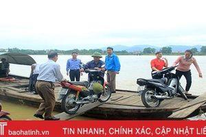 Chuyện người lái đò trên 'ốc đảo' Hồng Lam