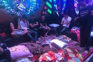 Phát hiện 50 đối tượng dương tính với ma túy trong quán karaoke tại Biên Hòa