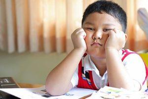 Vì sao trẻ tăng động giảm chú ý phải uống thuốc kích thần?