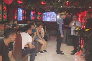 Giám đốc Công an tỉnh Đắk Lắk dẫn đầu 300 công an đột kích các quán bar