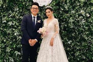 Chuyện showbiz: 'Nàng thơ xứ Huế' đẹp như nữ thần trong ngày cưới