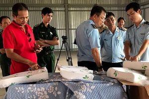 Hơn 7 tấn chăn, đệm Trung Quốc 'đội lốt' hàng Việt Nam