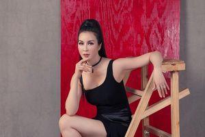 Tuổi 46, MC Thanh Mai gây bất ngờ với bộ ảnh 'nổi loạn'