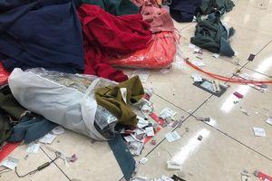 Hà Nội: Tóm gọn hàng chục nghìn sản phẩm quần áo đang được làm giả xuất xứ Việt Nam
