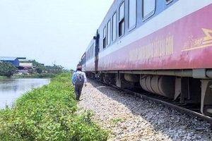 Đi qua đường sắt thiếu quan sát, người đàn ông bị tàu hỏa tông tử vong