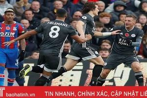 Leicester trở lại top ba Ngoại hạng Anh