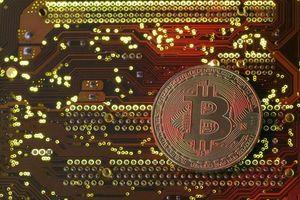 Bitcoin 'đỏ lửa' đầu tuần