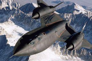 SR-71 - phi cơ do thám nhanh nhất mọi thời đại