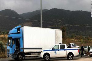 Hy Lạp giải cứu hàng chục người nhập cư khỏi xe tải đông lạnh