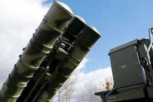 Tin mới về S-400 khiến Nga lo, Mỹ vui?