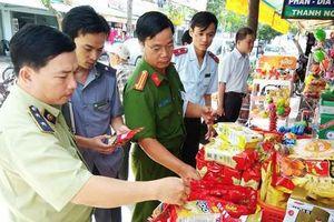 Thanh tra xử phạt an toàn thực phẩm gặp khó vì 'tình làng nghĩa xóm'