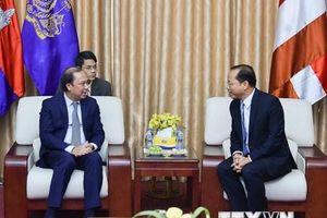 Thứ trưởng Nguyễn Quốc Dũng chúc mừng Quốc khánh Campuchia