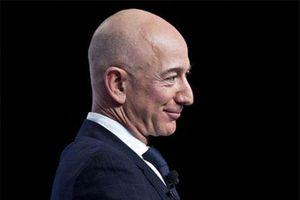 Vì sao Jeff Bezos luôn bình tĩnh trước biến động của cổ phiếu Amazon?