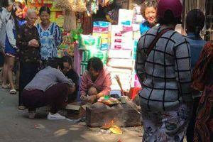 Hà Nội: Bàng hoàng phát hiện thi thể bé sơ sinh trong thùng rác