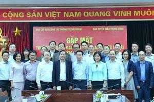 Đưa thông tin chính thống về Việt Nam đến cộng đồng quốc tế và kiều bào
