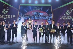 Quang Hải đoạt danh hiệu 'Cầu thủ xuất sắc nhất' V.League 2019