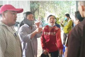 Đại náo Tịnh thất Bồng Lai: Sau đập phá đánh người, bố mẹ cô gái 22 tuổi lại gây 'shock'