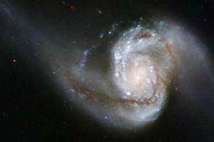 Sự thật gây kinh ngạc về các vụ sáp nhập thiên hà