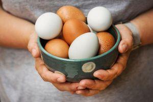 Thách đấu với bạn, người đàn ông tử vong sau khi ăn hơn 40 quả trứng