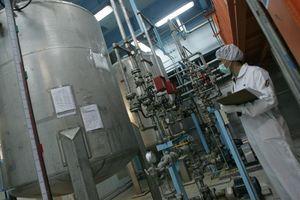 Iran tuyên bố sẽ làm giàu uranium, Mỹ tố Tehran 'tống tiền hạt nhân'